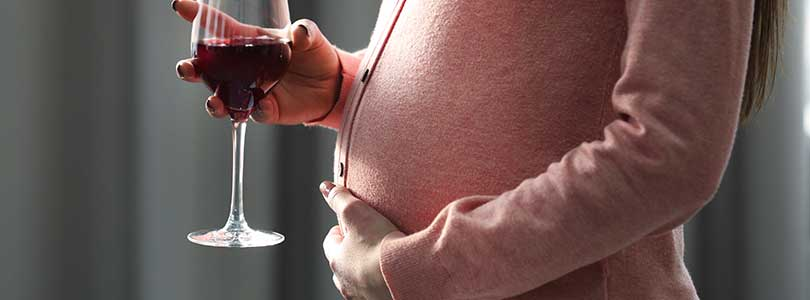 I'm Pregnant and I Can't Stop Drinking Alcohol